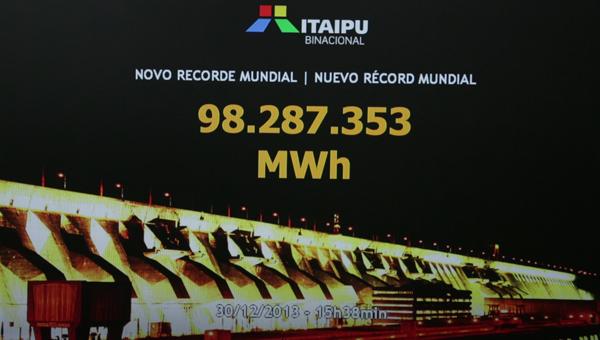 Itaipu é recorde no turismo e na produção de energia